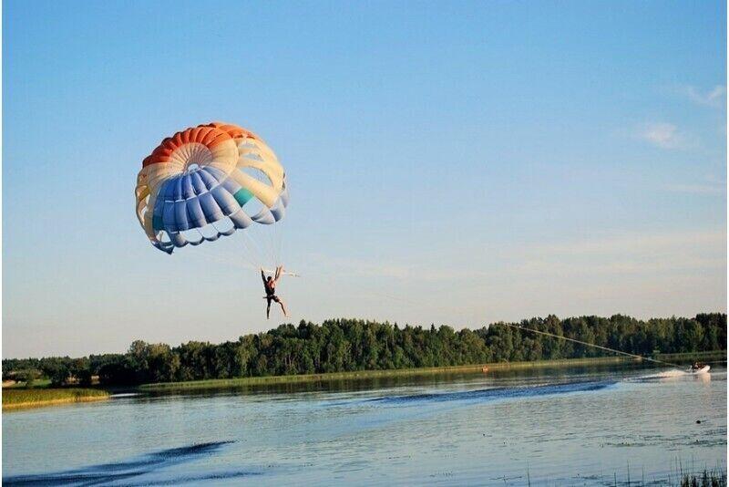 Paraseilamine - lend langevarjuga üle Anykščiais järve
