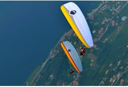Aukštuminis skrydis parasparniu Kauno apylinkėse
