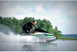 Pasiplaukiojimas vandens motociklu Molėtuose (15 min.)