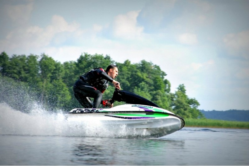 "Катание на спортивном водном мотоцикле ""Kawasaki"" (15 мин.)"