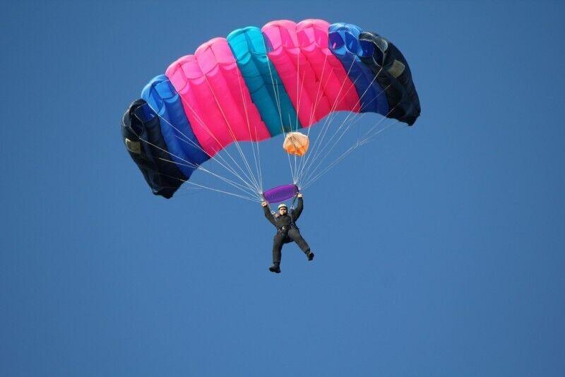 Самостоятельный прижек с парашютом и обучение в Рапла