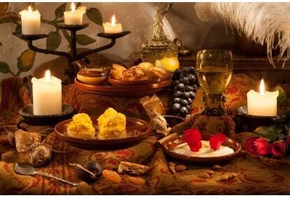 Средневековый праздник в Olde Hansa в Таллинне