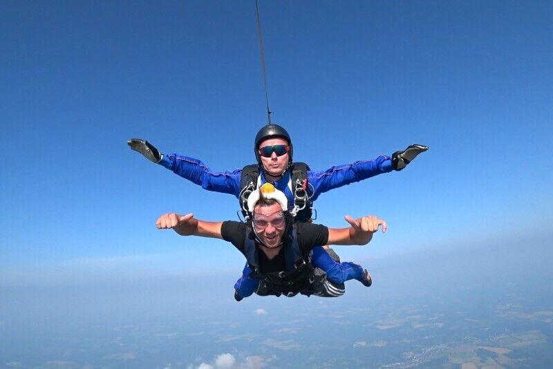 Тандем прыжек с парашютом в Ряпла