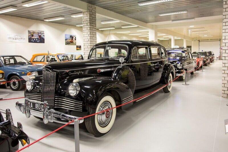 Веселое посещение машинного музея для семьи в Пярну