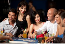 Casino Grand Prix pokkeriõhtu seltskonnale