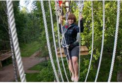 Nelja seiklusraja läbimine + 300 m ülivinge õhusõit Tartu Seikluspargis