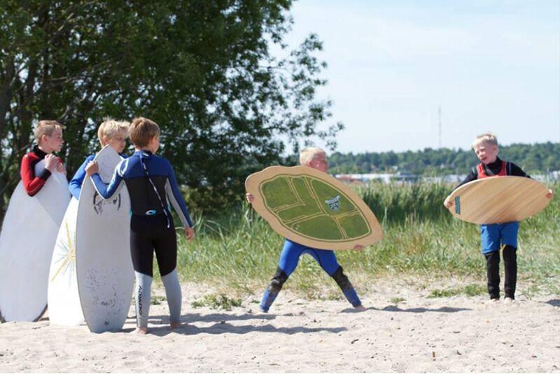 Обучение скимборда в Fansurf Surf School в Таллинне