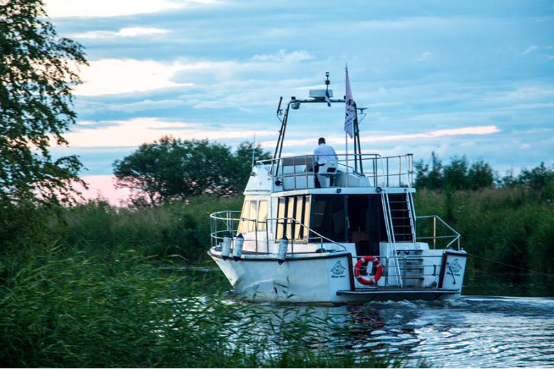 Романтический круиз по Пейпси и Эмайыэ водам на прогулочным судном Diora