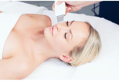Антивозрастная процедура для затягивания массажа и маски из водорослей в Таллинне
