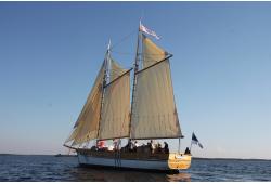 Purjelaevareisi kogemus Hiiumaa vetes purjelaevaga Lisette või HiiuIngel