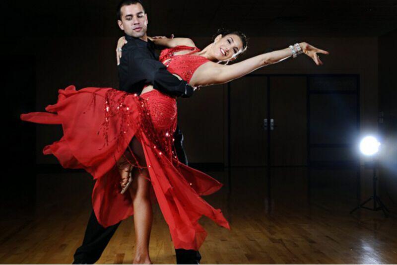 Eratund tantsu-õpetajalt Active Studio-s Tallinn