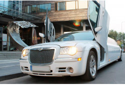 Chrysler 300c limusiini rent tervitusjookidega Tallinn