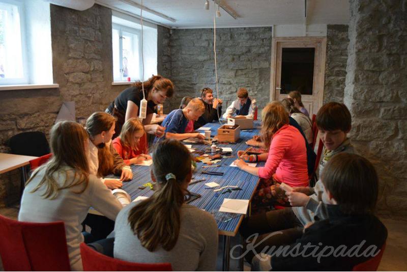 """Мастер-класс для двоих по витражу """"Sharp entertainment"""" в Таллине"""