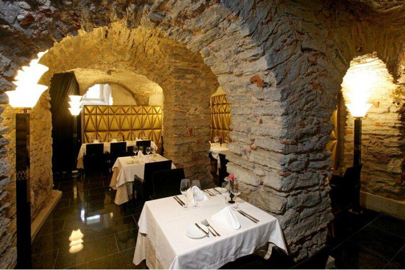 Романтический ужин для двоих во французском ресторане C`est La Vie в Таллине
