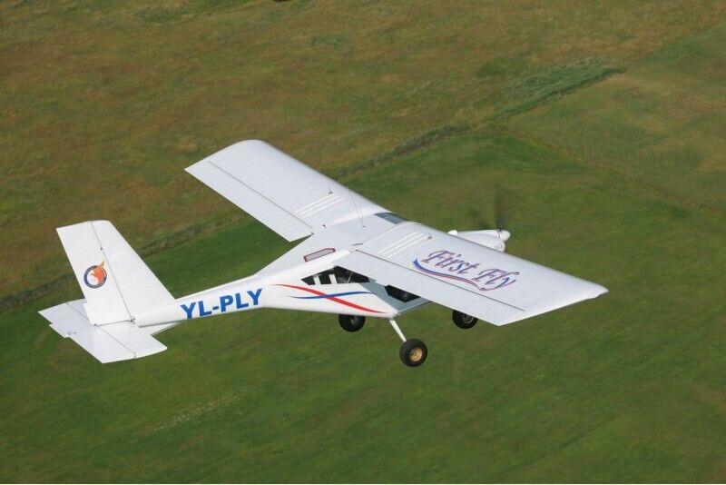 Lend kahekohalise lennukiga AEROPRAKT-22