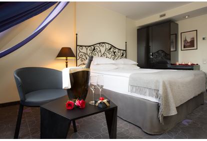 Romantikapakett kahekäigulise õhtusöögiga L'Ermitage hotellis Tallinn