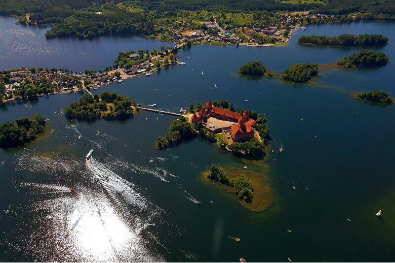 Trakai loss linnulennult