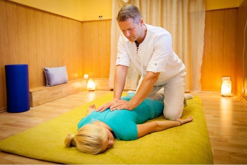 Терапевтический массаж в салоне  Dunamis