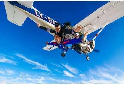 Tandem šuolis parašiutu su filmavimu Klaipėdoje