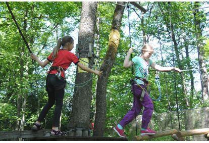 Приключенческое приключение для ребенка в парке приключений Valgeranna