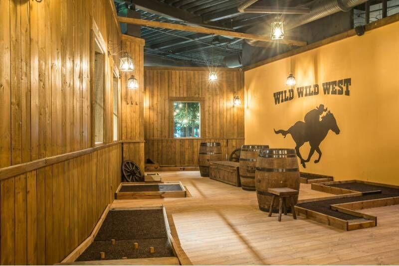 Park Minigolf mäng WWW Saloon