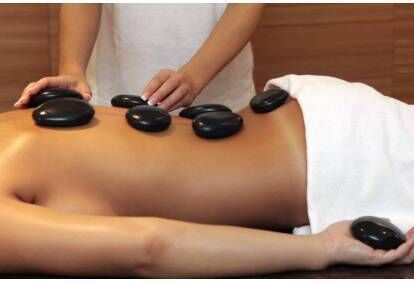 Laavakivide massaaž