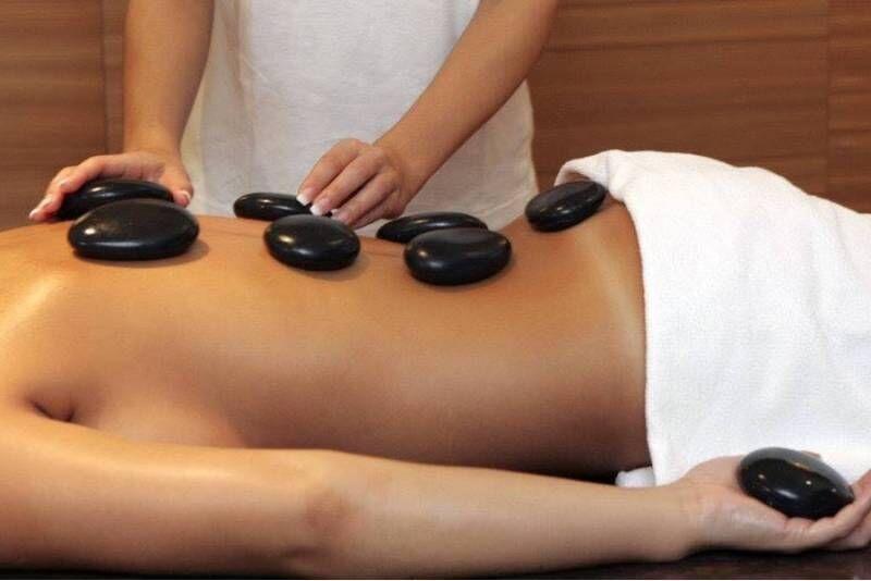 Lõõgastav laavakivide massaaž Pärli Ilusalongis