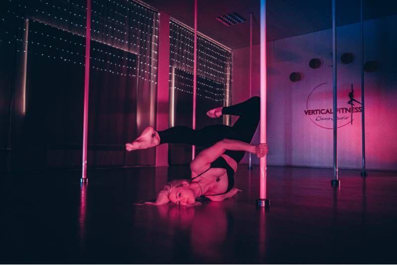 Частный урок Pol Dance Exotic Flow для 6 человек