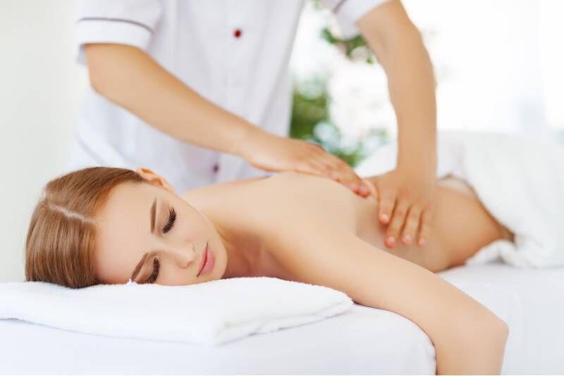 Классический массаж в салоне красоты Siluett