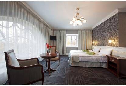 """Nakšņošana Skrundas muižas viesnīcas """"Dizaina"""" numurā 2 personām"""